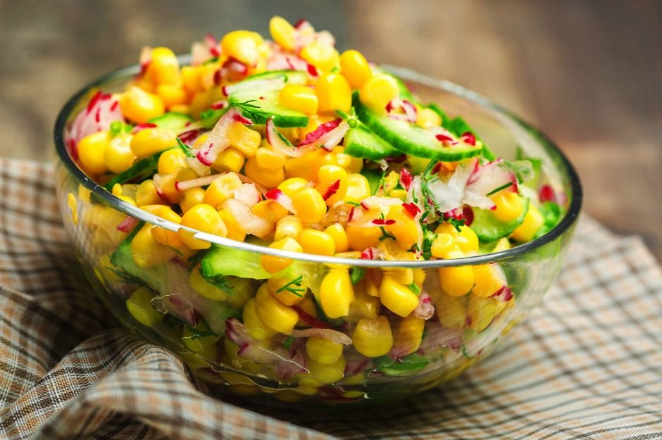 Mısır salatası nasıl yapılır? sorusunun cevabı degisiktarifler'de